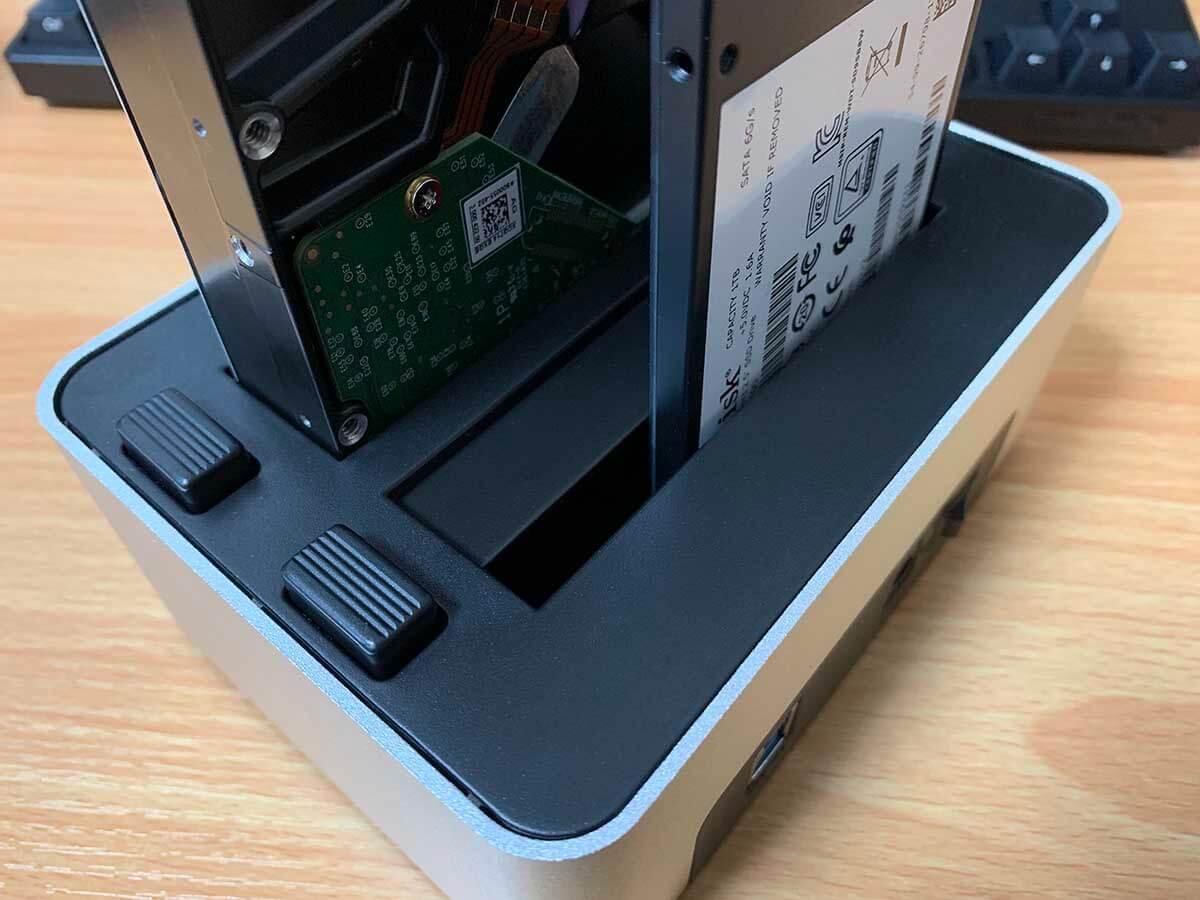 SSDを挿したときにできる隙間