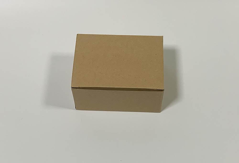 ワイヤレスマウスの箱