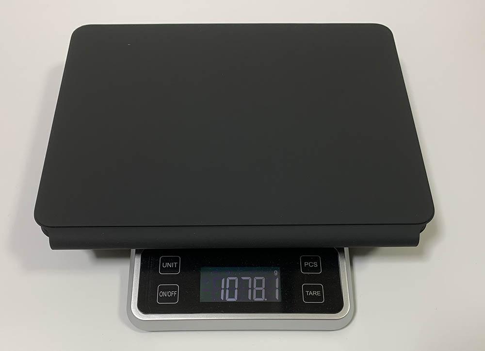 iPad装着時のMagicKeyboardの重さ